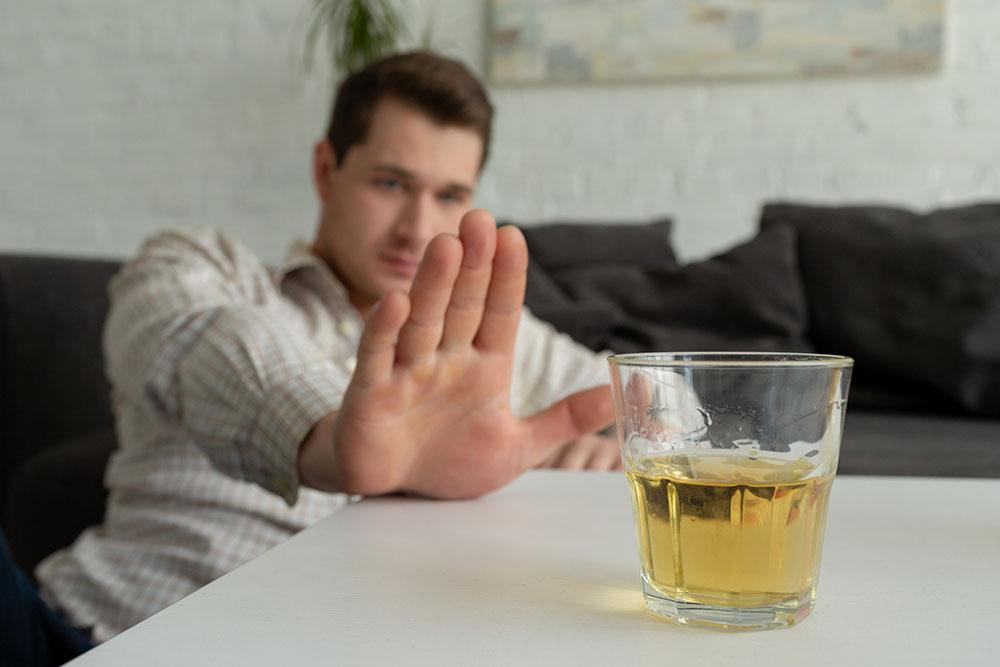男性がお酒を飲んでセックスするのはデメリットだらけ!