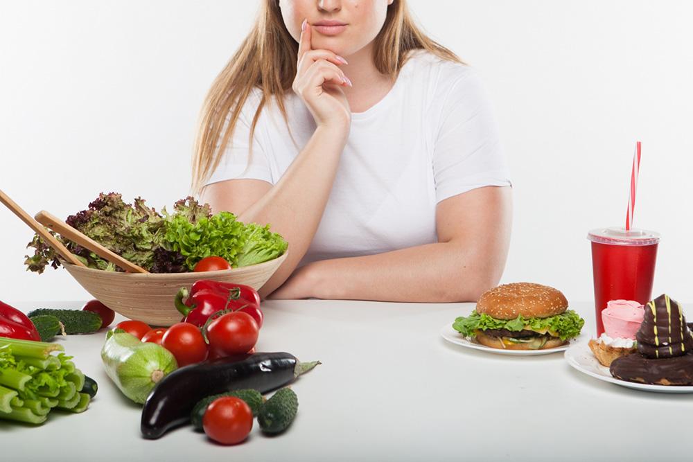 太っている人がやりがちなNGな食生活とは?痩せられない人の習慣をチェック!