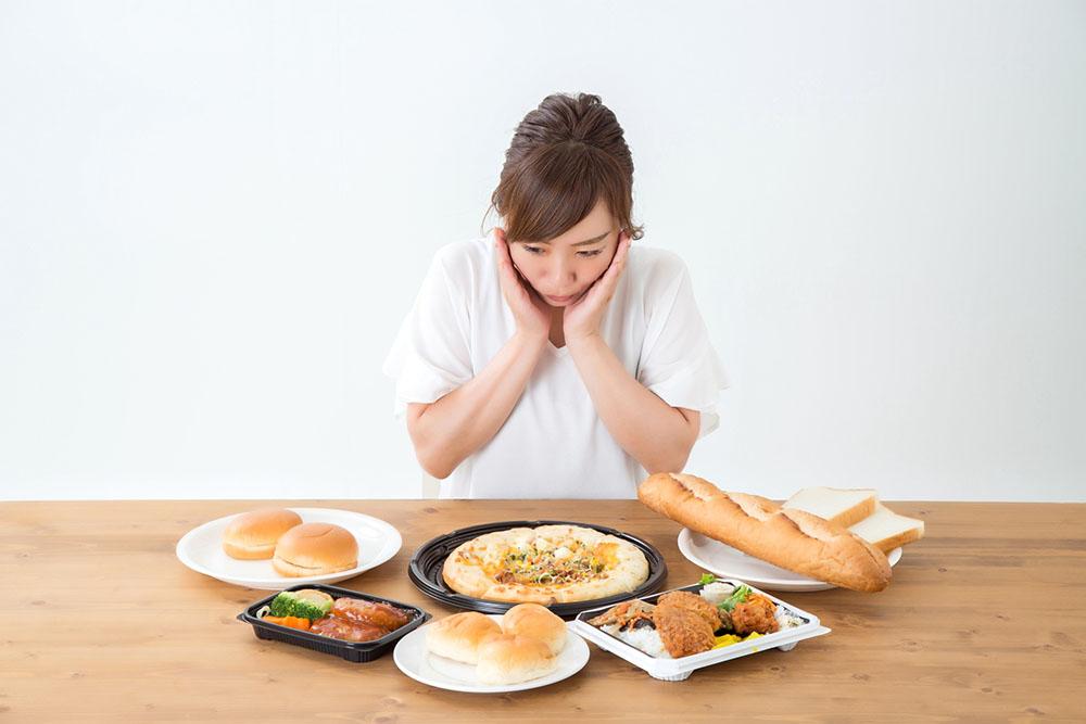 【ダイエット】ドカ食いをやめたい!食べすぎを防止するコツは?