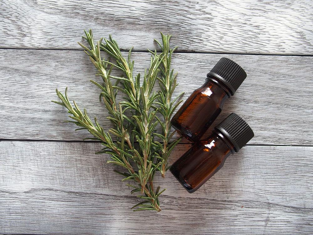 肌を整える香りのアロマオイル