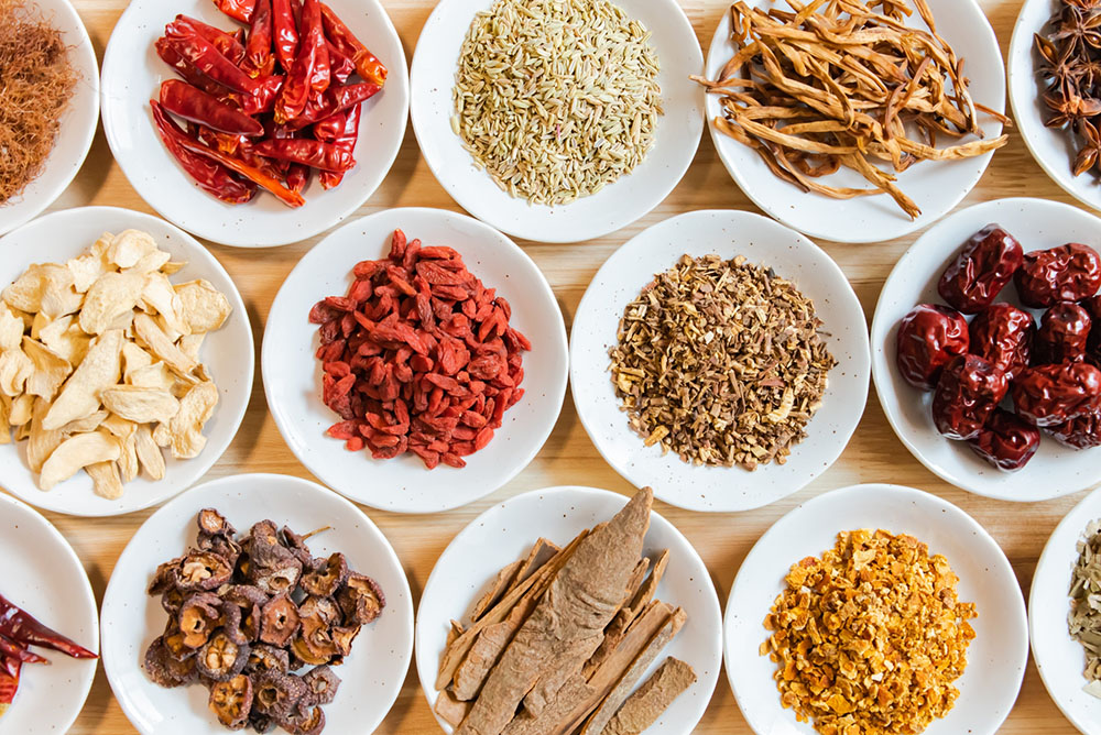 漢方で痩せられる?漢方のダイエット効果や副作用について徹底調査!